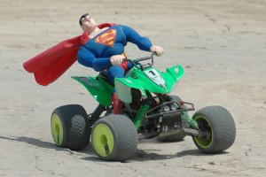 Superman en un Savage Quad